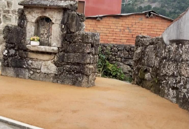 O concello acondiciona o entorno do peto de ánimas de Montecelo